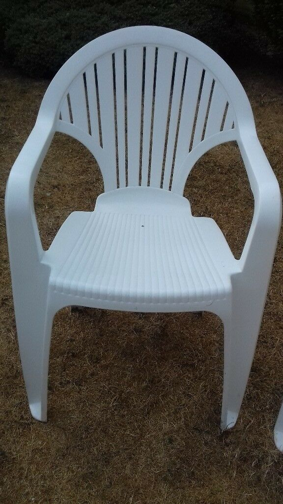 Marvelous Plastic Garden Chairs For Sale In Very Good Condition Clean And Comfortable To Sit On In Southampton Hampshire Gumtree Evergreenethics Interior Chair Design Evergreenethicsorg