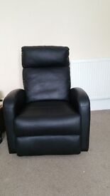 Comfortable Black pvc recliner chair with an easy mechanism