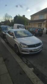 Quick sale needed.. £1.450 o.n.o.Vauxhall Astra 1.6 Twinport M.O.T Till November