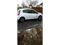 stunning 12 plate renault clio dymanique tom tom 3 door white