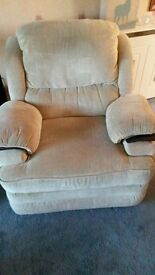 Single Electric Recliner Armchair in Beige Fabric