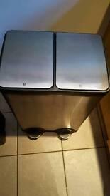 60l Kitchen bin FOR SALE