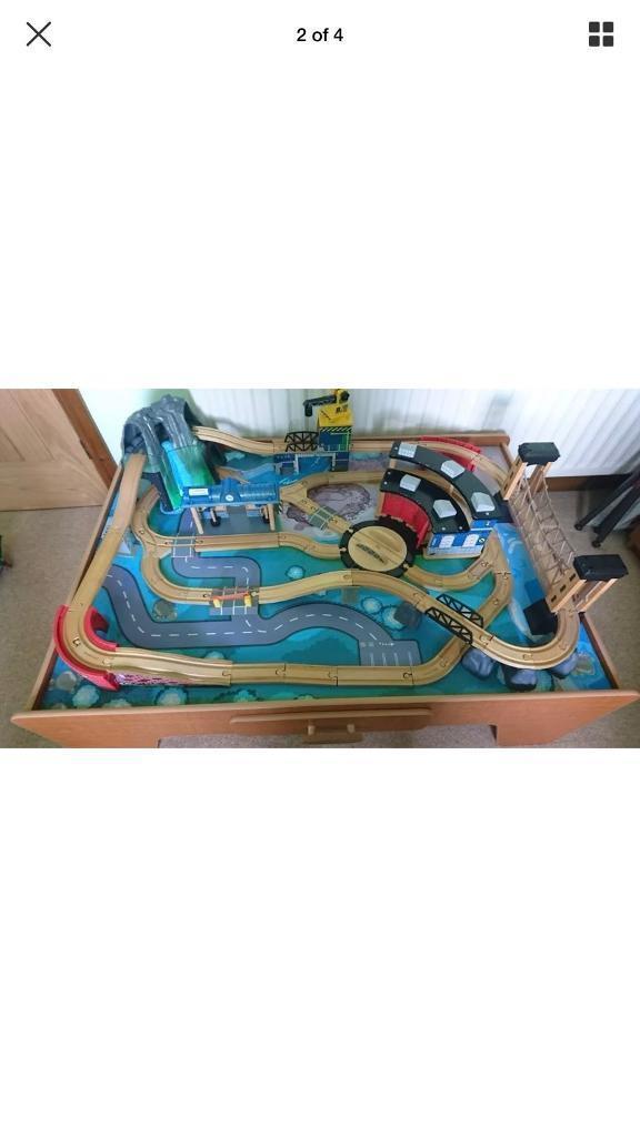 Imagination train set table