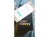 Samsung Galaxy S7 32gb sealed open to all networks comes with box and all accessories