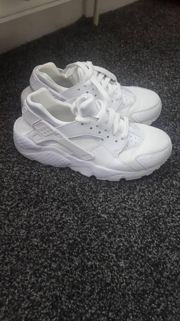 White size 5 huaraches