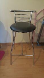 4 x breakfast bar stools/chairs