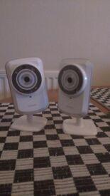 2x D-Link DCS-932L Network Cameras