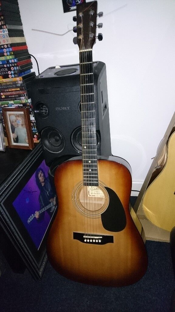 Encore acoustic guitar for sale, good condition, recently restrung, £25
