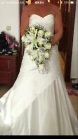 Ivory sweetheart wedding dress size 10-12