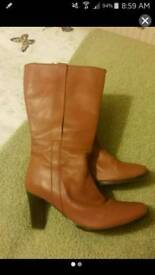 Nearly new size 8 tan mid calf leather boots