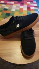 Size 11 skateboard shoes