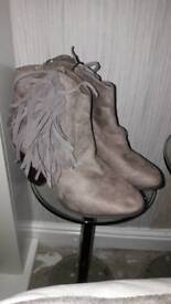 Fringed Suede Effect Taupe Boots