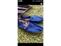 Toms mens size 7