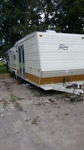 GOT a old trailer you Want Removed Let Me know London Ontario image 1