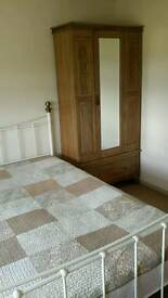 A fully furnished double room is offered for rent in Sneyd Green