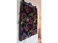 Ladies Womens Pencil Floral Skirt size 12