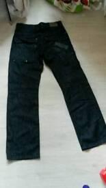 Henleys jeans