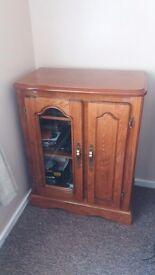 Hi-fi Cabinet