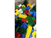 LEGO DUPLO 2x big lego base. 4x smaller lego base