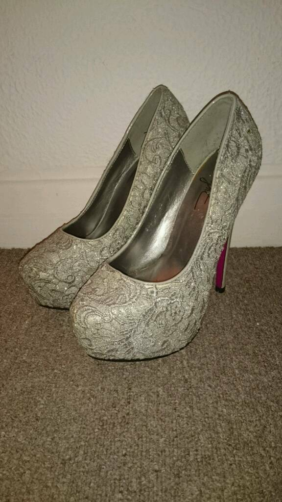 Size 4 silver ladies shoes