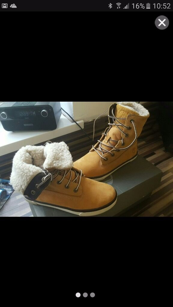 Genuine timberland boys boots size 1.5