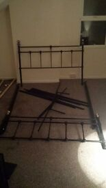 King size metal bed frame. Very nice