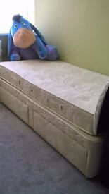 Sigle bed for sale