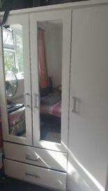 3 doors wardrobes