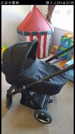 Oyster pushchair and carry cot with raincover