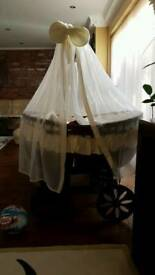 Large wicker moses basket