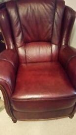 Wine/burgundy 3 piece leather suite. 3+1+recliner.