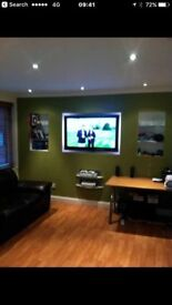 1 bedroom flat in Hyndland with Parking!