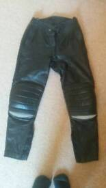 Hein Gericke leather motorcycle pants/trousers 28