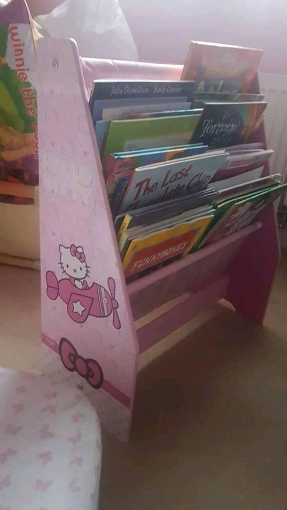 Hello kitty sling bookcase