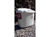 White Porcelain Toilet Cistern