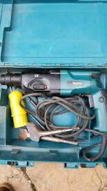 Makitia hammer drill and chaser 110v