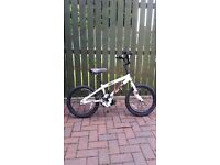 Boys bike very good condition suit 5-8 year old