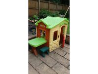Little tikes picnic on the patio play house. Very good condition. For 18 mth+