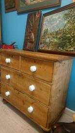 Beautiful Victorian pine chest of drawers