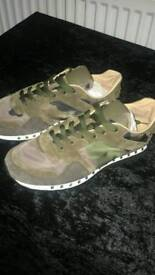 Army Green Trainers - Valentino Valentino Garavani 'Rockstud' camouflage sneakers For Men