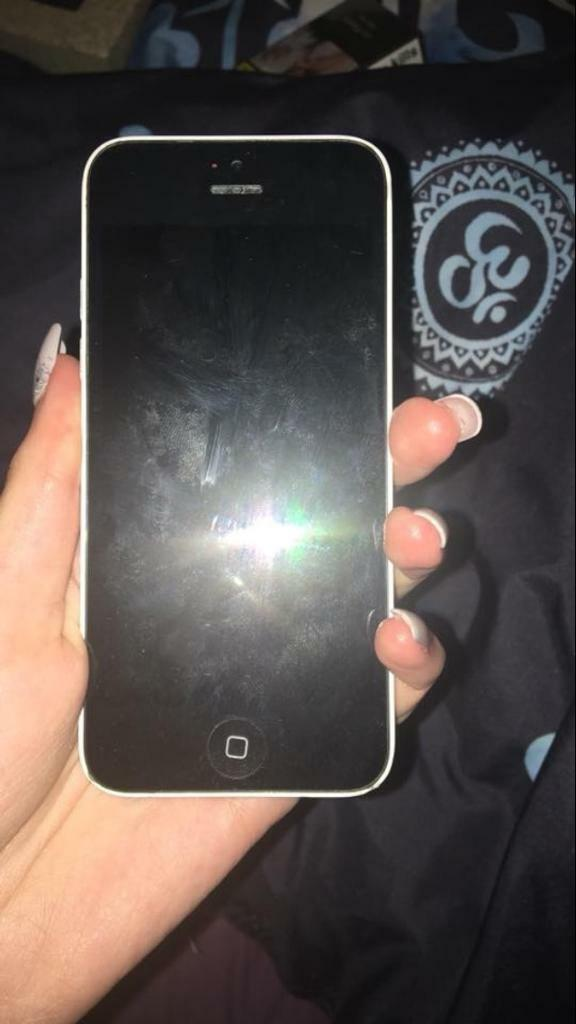 IPhone5c White 16gb UNLOCKED