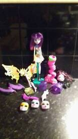 MONSTER HIGH DOLL BUNDLE*PERFECT CONDITION *