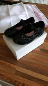 Clarks black patent shoes size 8.5F