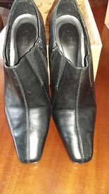 Black zip up ladies ankle boots, size 7, 3inch heel, leather