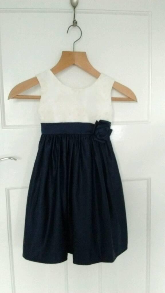Girls formal / flower girl dress age 4 -5