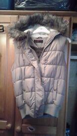 New Look womens hooded vest sleeveless jacket shiny tan size 8