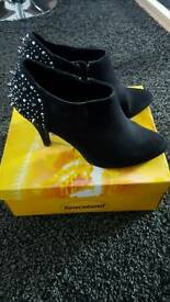 Ankle boots size 5.5