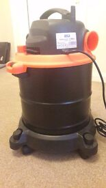 Vacuum Cleaner 18L with motor 1200 watts hepa filtre mobile with rolls