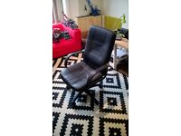 Swivel office desk chair for free