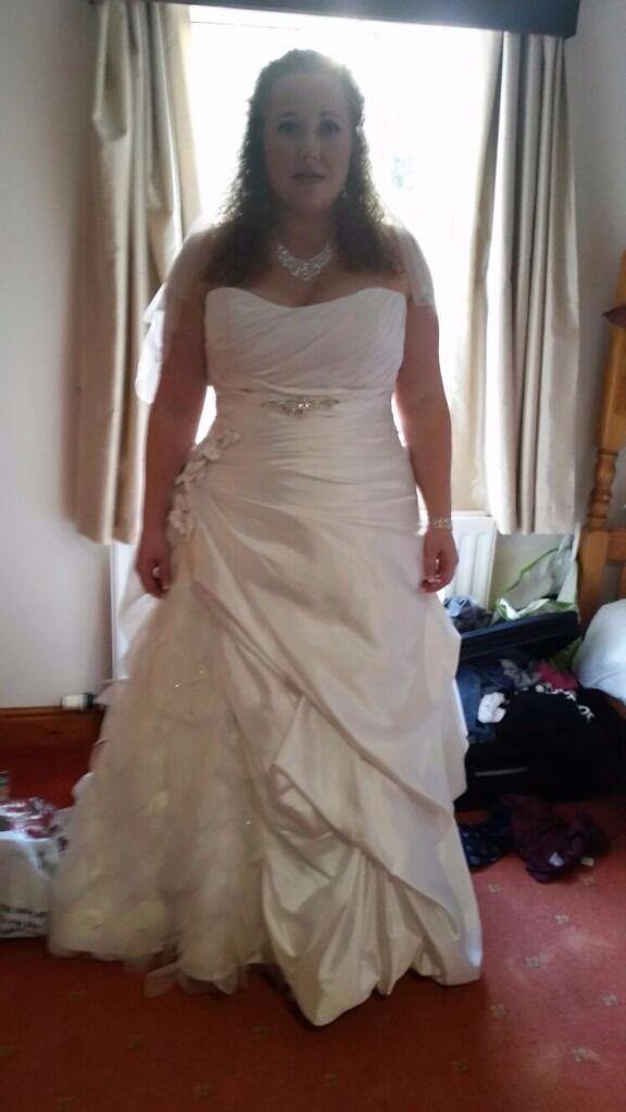 Ivory Wedding Dress Size 20